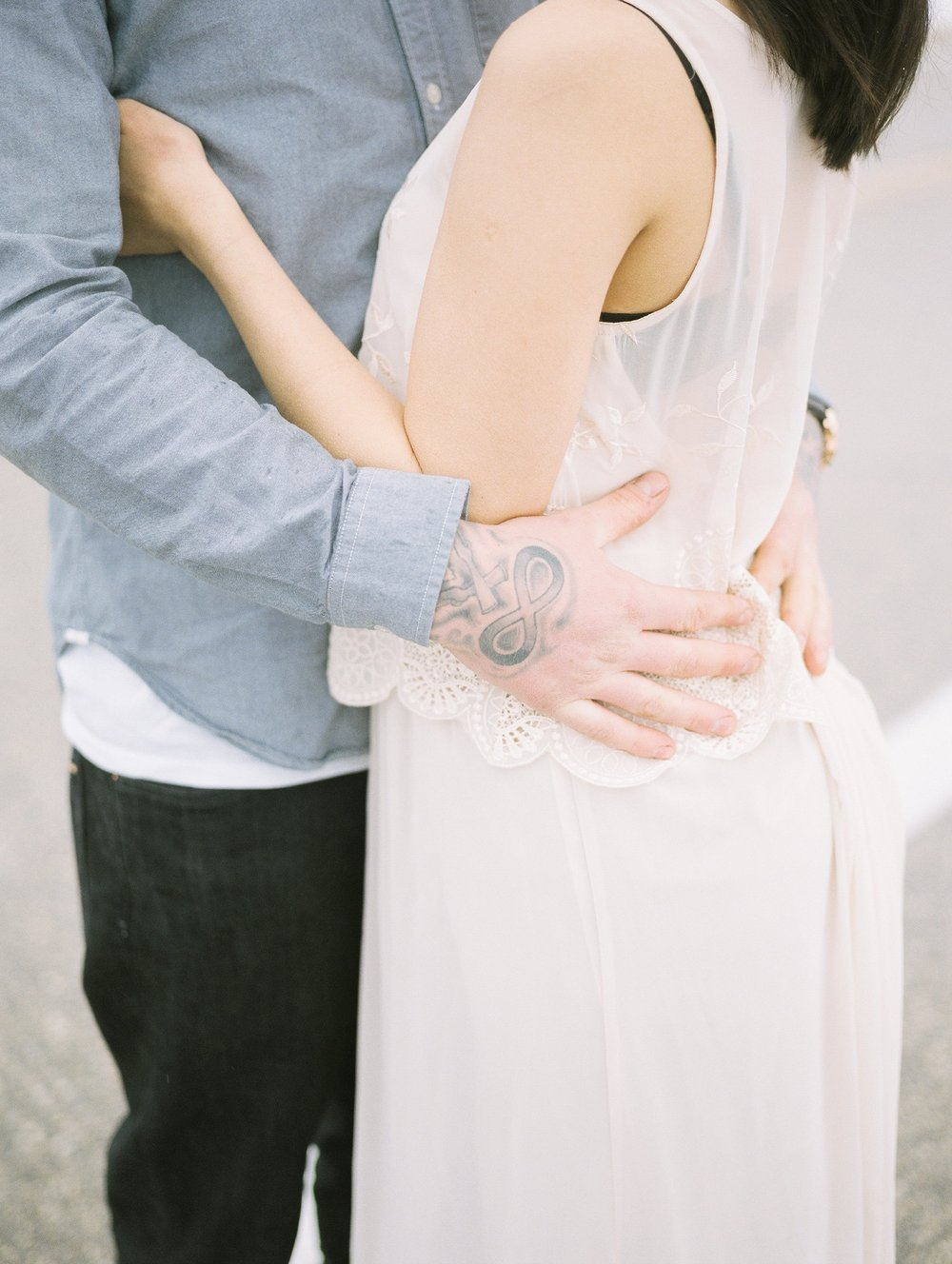 Tattooed couples | engagement session inspiration | Keila Marie Photography based in Manitoba Canada