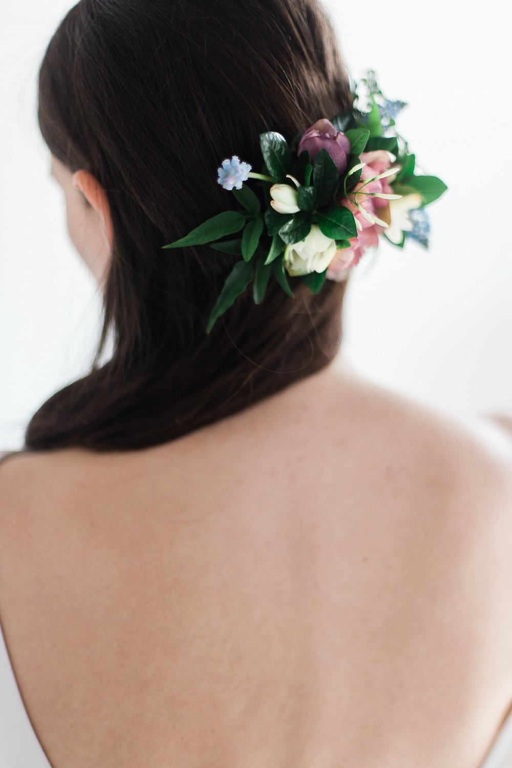 Winnipeg Wedding Photographer Keila Marie Photography | Academy Florist | Floral hair pieces