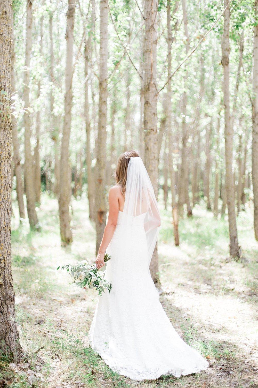 Toronto Wedding Photographer Keila Marie Photography | Bridal portraits | Garden inspired wedding