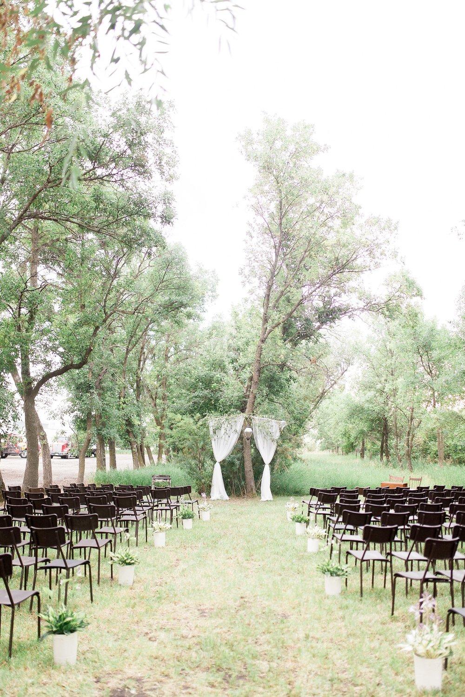 Romantic intimate backyard ceremony | Manitoba Wedding Photographer Keila Marie Photography