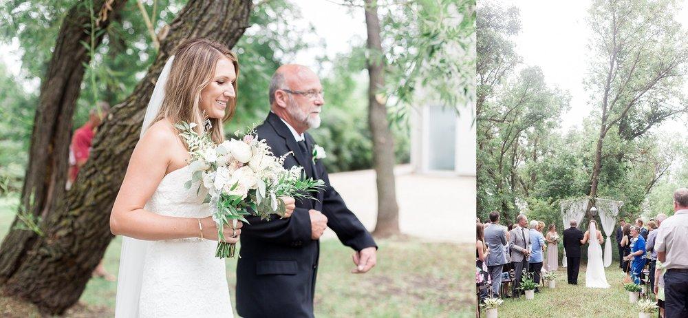Manitoba wedding photographer | Keila Marie Photography | Garden inspired wedding | Intimate backyard wedding