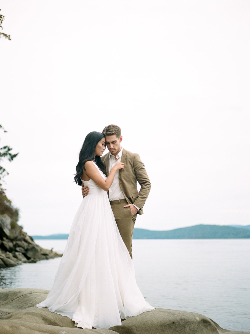 BC Wedding Photographer, Fine Art Wedding, Leanne Marshall Wedding Dress, West Coast Wedding, PNW Wedding, Light & Airy Wedding Photographer
