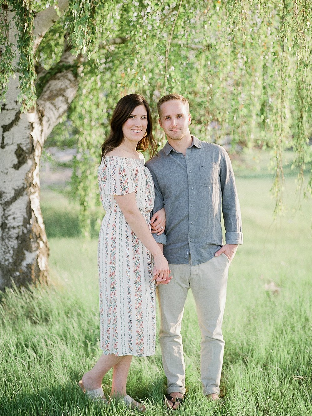 Winnipeg Wedding Photographer, Neutral Couples Outfits for Summer, Summer Outfit Ideas for Engagement Session, Manitoba Wedding Photographer