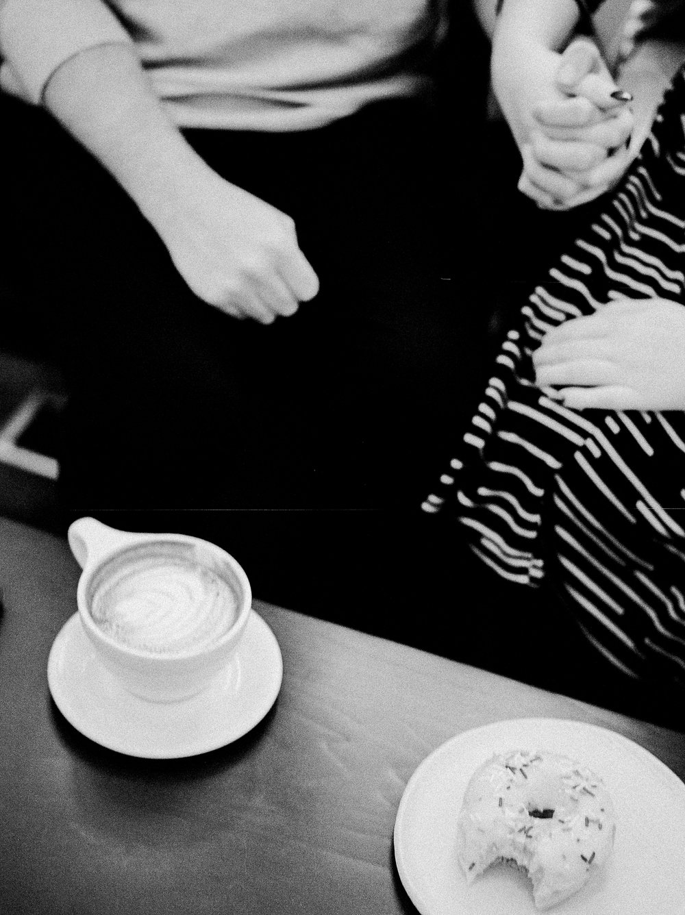 Coffee-Shop-Couples-Session-Winnipeg-KeilaMariePhoto