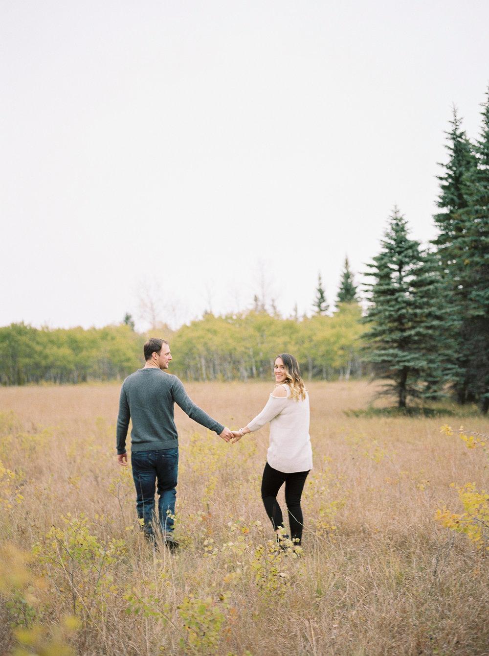 Pineridge-Hollow-Winnipeg-Wedding-Photographer-Birds-Hill-Park