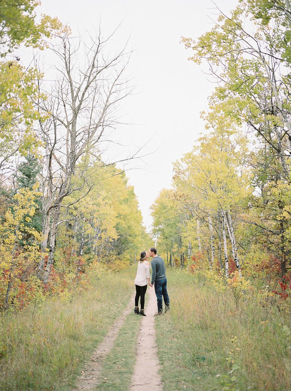 Fall-Couples-Photoshoot-Birds-Hill-Park-Winnipeg-Manitoba