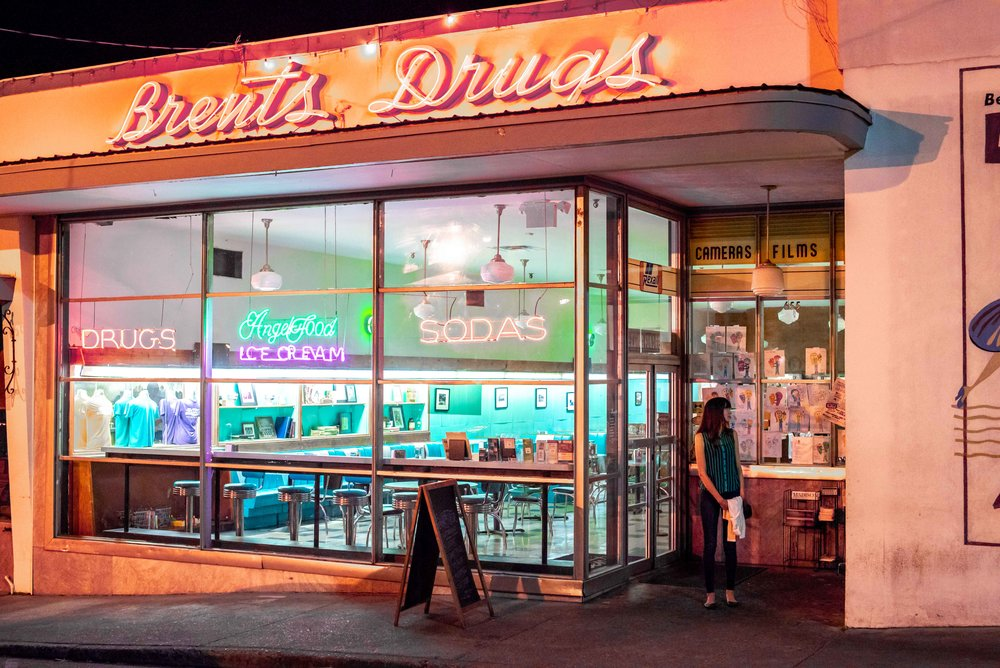 Brent's turns into something completely different at night.