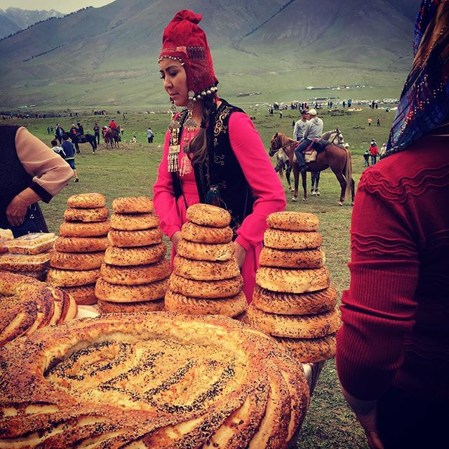 There is no deliciousness in the world like homemade Kyrgyz bread. And we still can't get enough of the amazing style at the World Nomad Games! 🐎🇰🇬 #KG #kgstyle #worldnomadgames #worldnomadgames2016 #bread #yum #kyrgyzstan