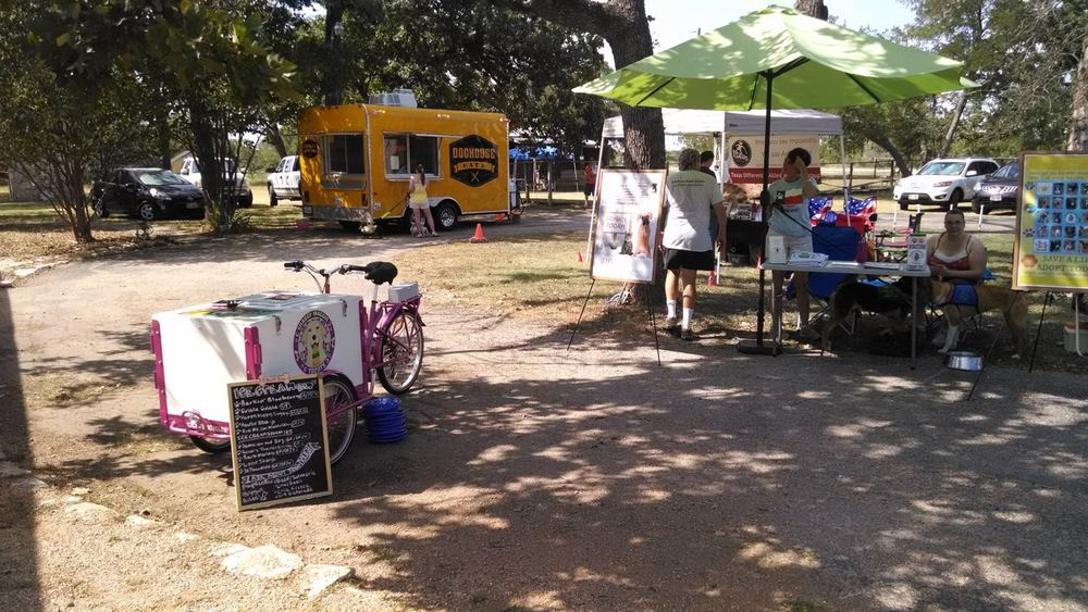 Busy day with local rescue group, TDAWG and Shaggy Waggin Treats (natural treats for dogs).  Dog House supports local rescue groups to promote adoptions, awareness & to raise funds.
