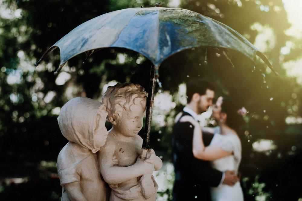 Laura & Rubén - boda en utrera - Santa clotilde- Manolo mayo - Fotografo de boda - Andrés Amarillo los niños del paraguas.jpg