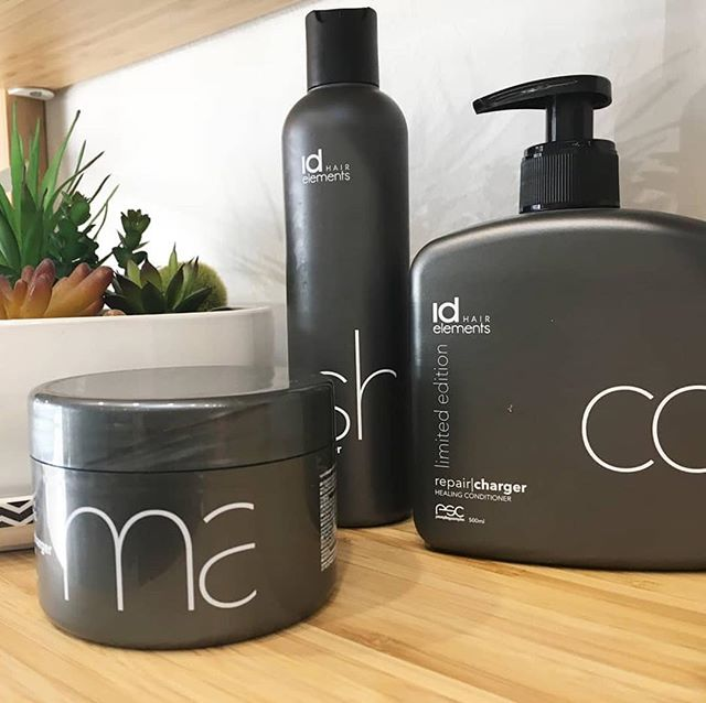 @idhairau ELEMENTS repair + charger healing shampoo, conditioner & mask sitting pretty at @no.11hairstudio