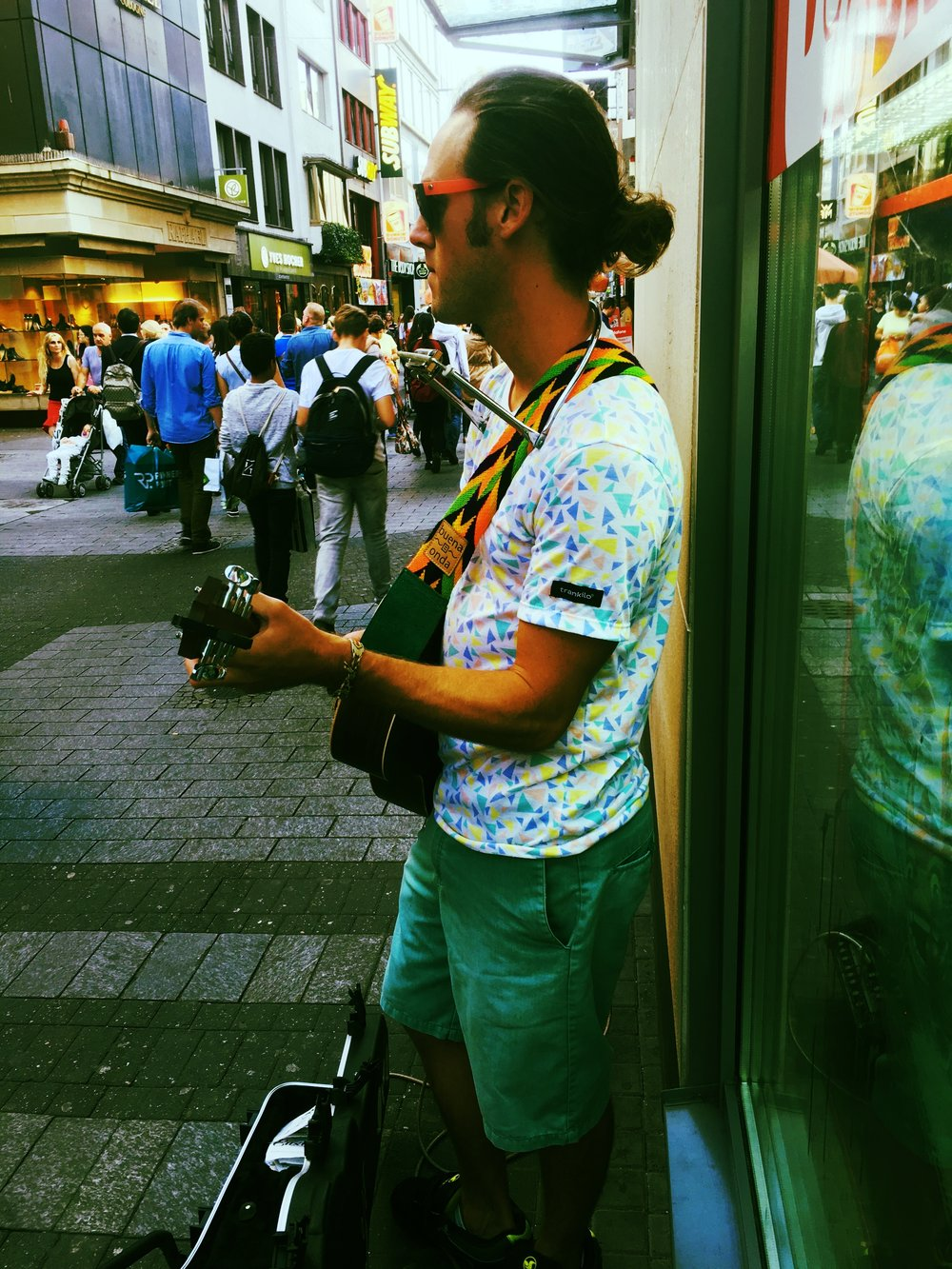 Kevin Kennedy iii Busking in Cologne