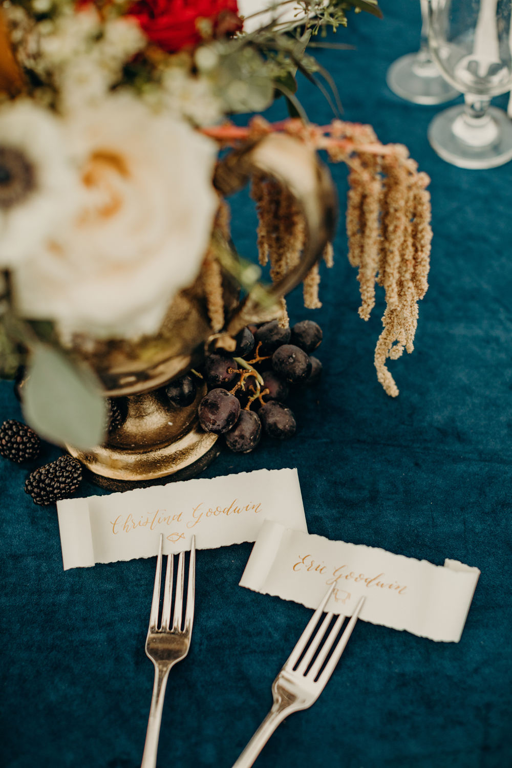 hand calligraphed place cards by sable and gray