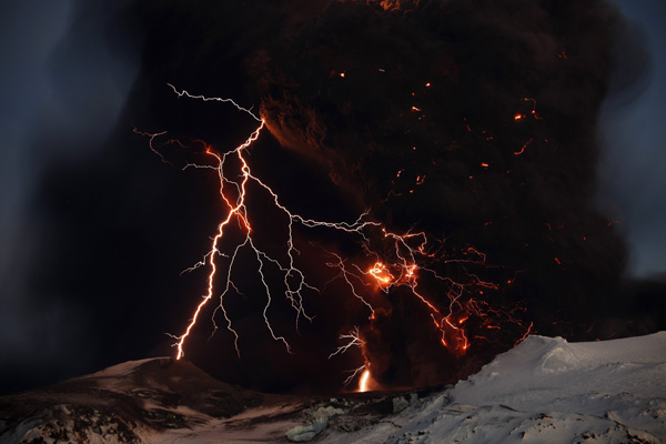 Freezing the volcano's lightning  - a Reuters photographer shows how it works…