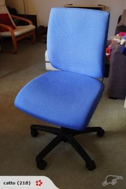 In case anyone's in the market for an ergonomic office chair - I won this as a door prize a year (or two?) ago, and just haven't got room for it really!  So, time to de-clutter a little…
