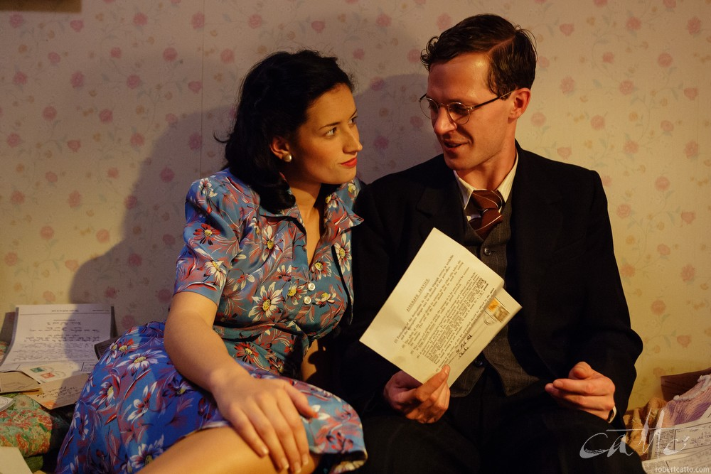 Yvette Reid and Gareth Reeves in Dead Letters, 2005