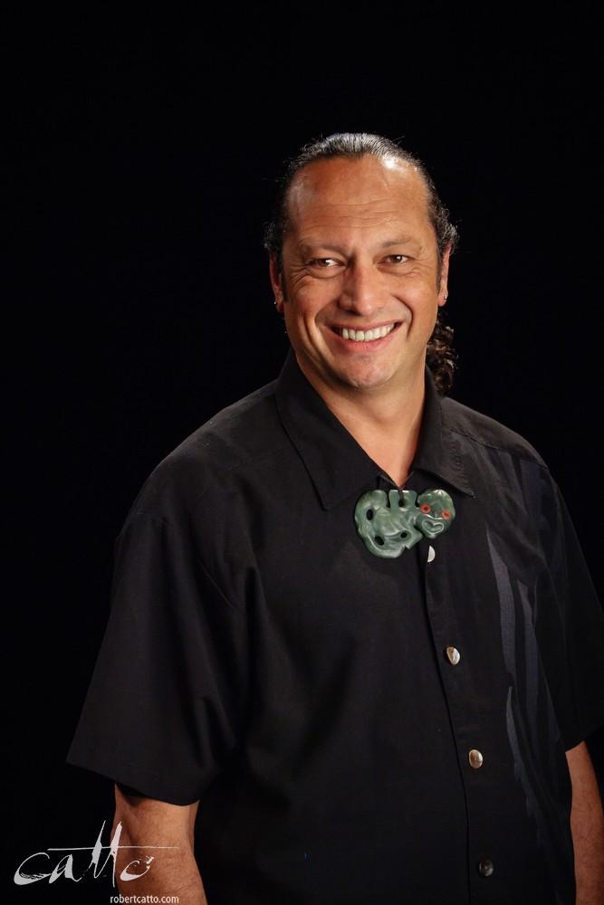 2004 Arts Foundation Laureate Derek Llardelli
