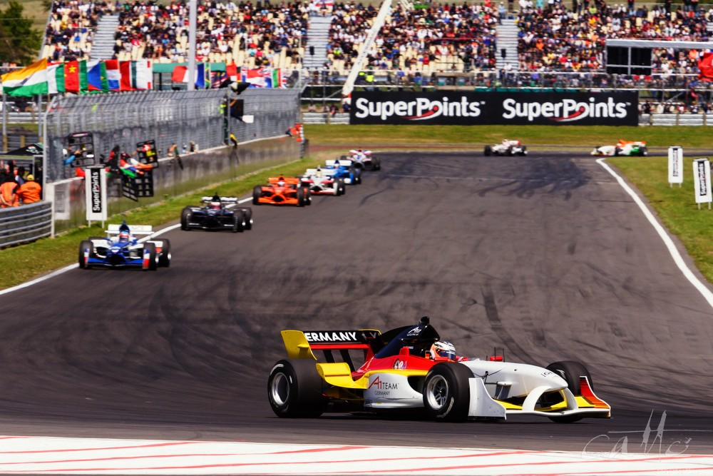 Nico Hulkenberg leads the field at the A1 Grand Prix in Taupo.
