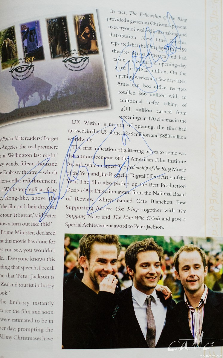 Billy Boyd & Elijah Wood signed the page with my photo of them - Billy said 'YOU took that?! I've seen that photo EVERYWHERE!' Lovely guys, both of them.