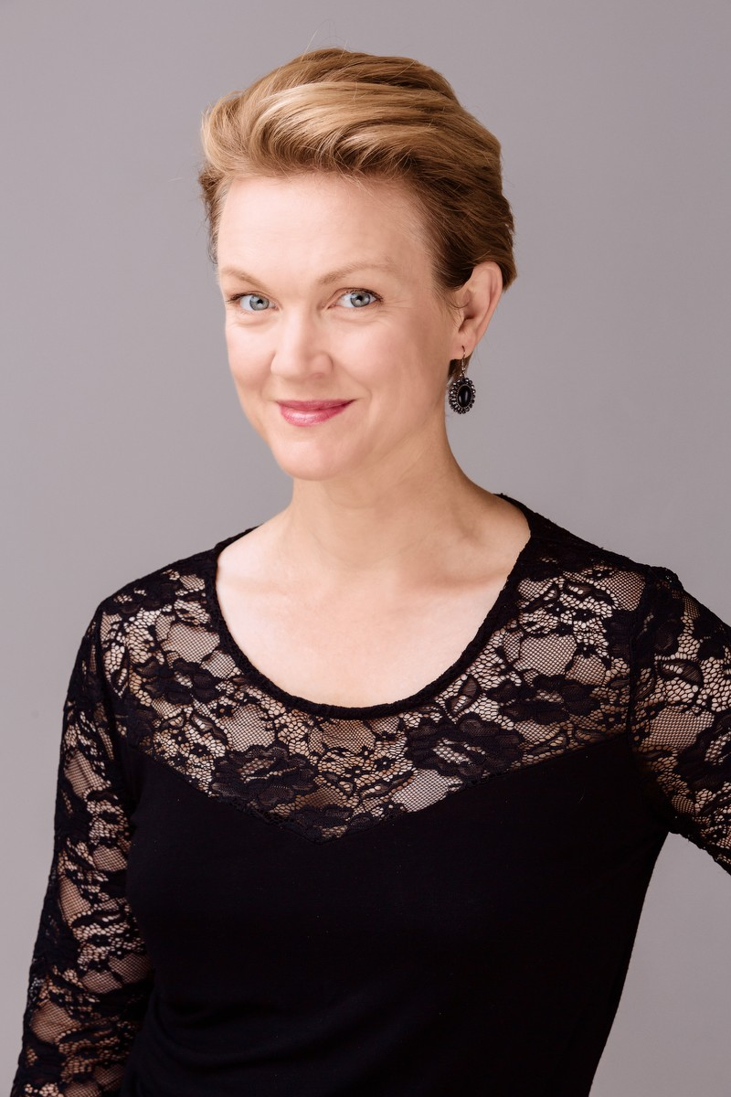 Caitlin Hulcup, mezzo-soprano
