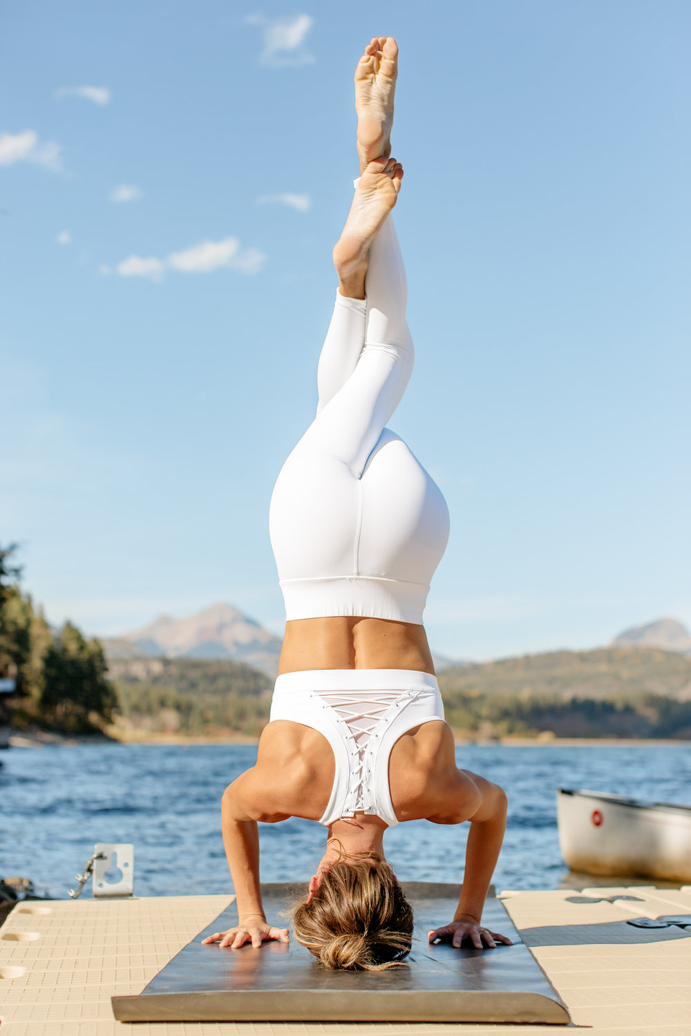 Alexa-Vossler-Photo_Dallas-Yoga-Photographer_Colorado-Yoga-Photographer_Colorado-Wellness-Retreat-24.jpg