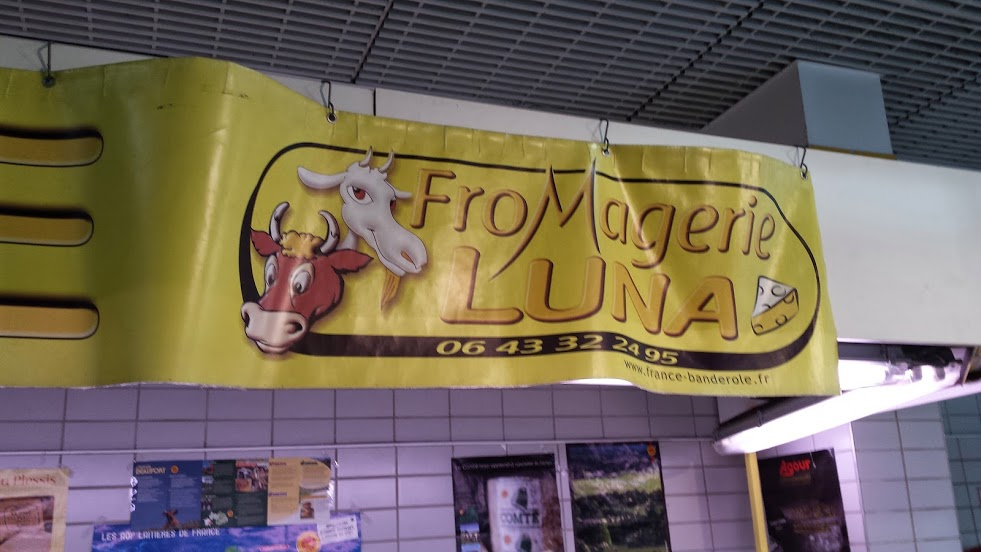 Fromagerie Luna in the Levallois Market