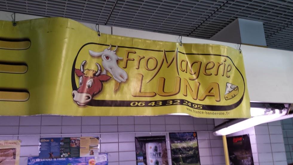La fromagerie Luna au marché de Levallois.