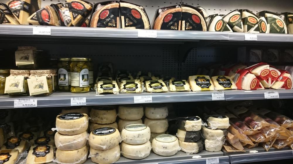 Plenty of cheese at the Dubrovnik airport. I don't normally buy fresh food at the airport as its quality, a function of rotation, refrigeration, and sourcing, is impossible to ascertain. But there's clearly plenty of variety.