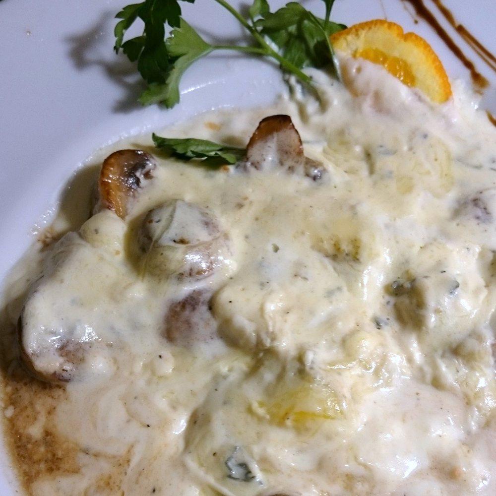 Champignons. Sauce gorgonzola. Une merveille !