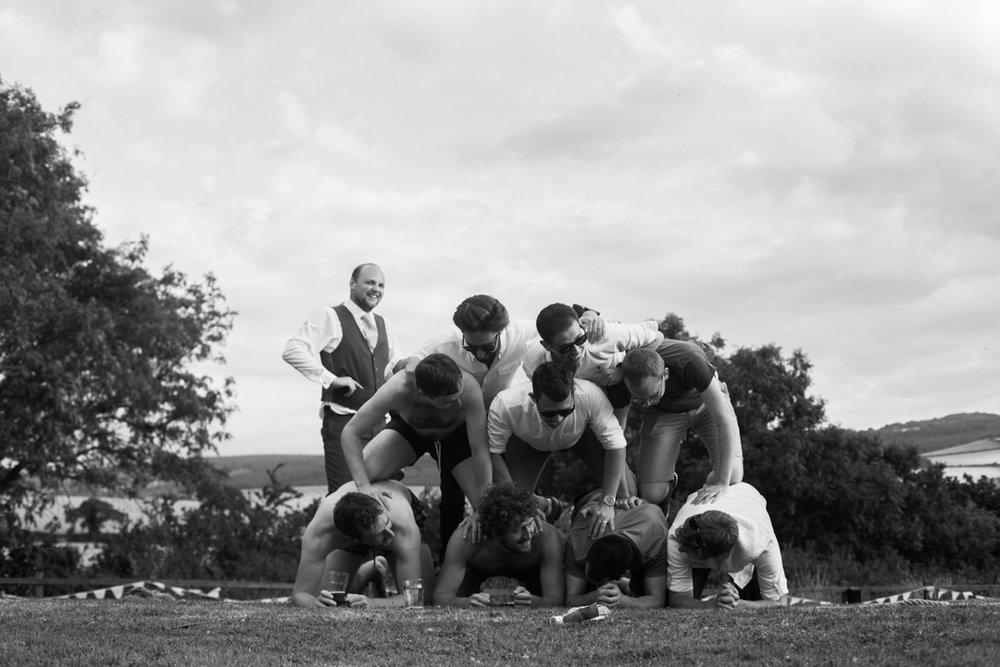 groom pyramid