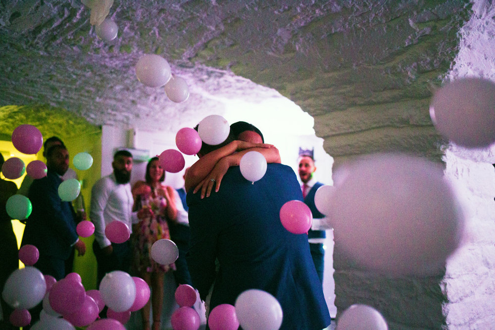 balloons fall during first dance Kingston Estate