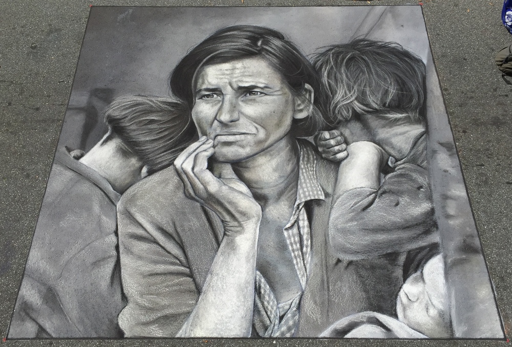 "2D Chalk Art of Dorthea Lange's ""Migrant Mother"""
