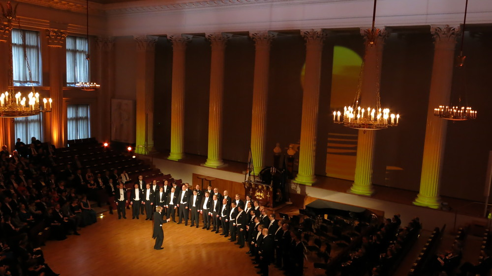 "YL Male Voice Choir performing ""Tango Desiree"" in Helsinki University 375 event"