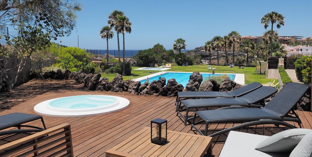 foto jacuzzi y piscina ap11 olympus adán 11hh recortado web.jpg