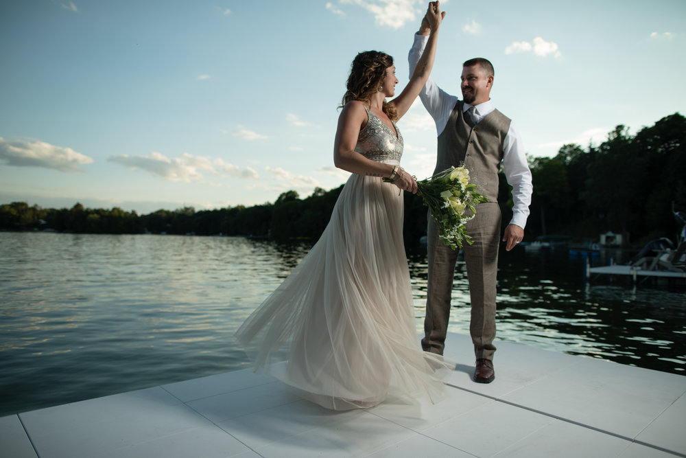 Short & Sweet - Some folks like an easy-going kind of wedding day. This package is the no fuss way to capture the most important parts with 7 hours of photography coverage.