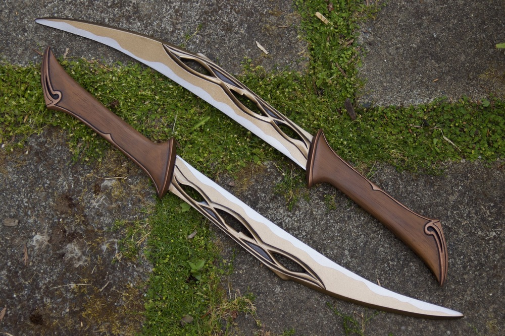 Tauriel Daggers - 2.jpg