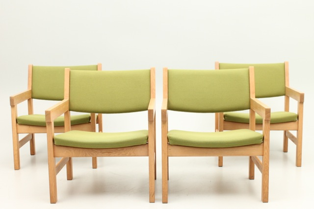 Shop our collection of Hans Wegner chairs