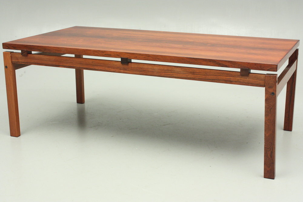Click the image to shop this Dyrlund Design coffee table and others!