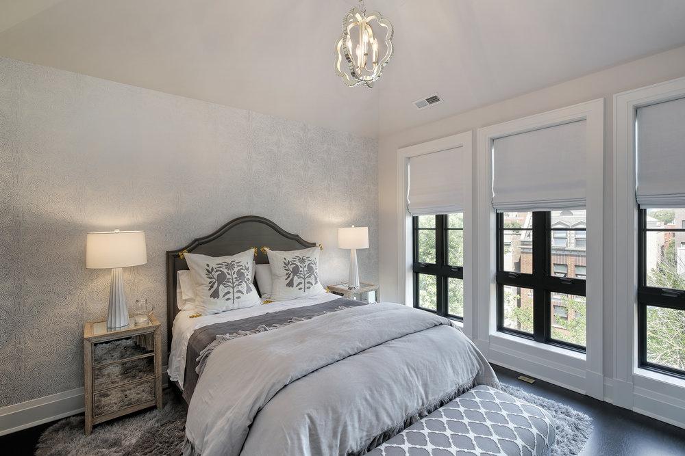 bedroom1_647wmelrose.jpg