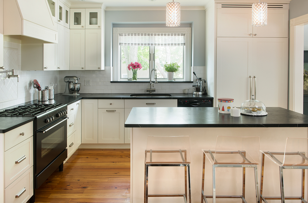Mandarina Studio :: Boston interior design contemporary bold kitchen