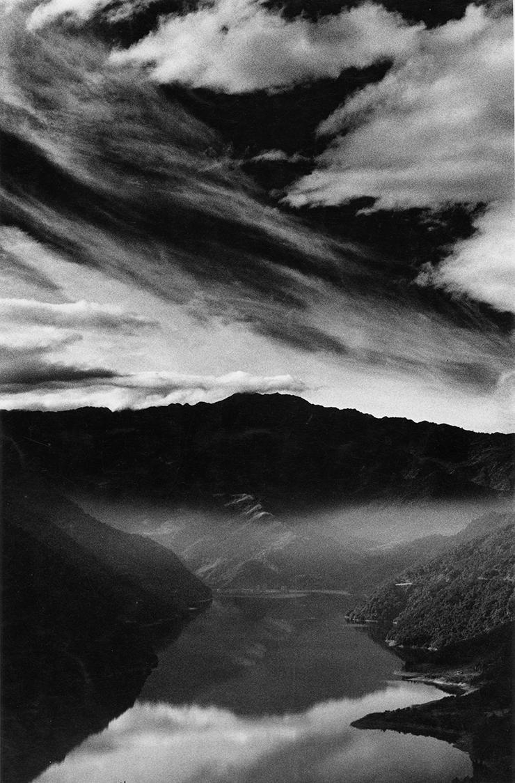 王信 | 訪霧社 銀鹽相紙, 1972 台北市立美術館收藏