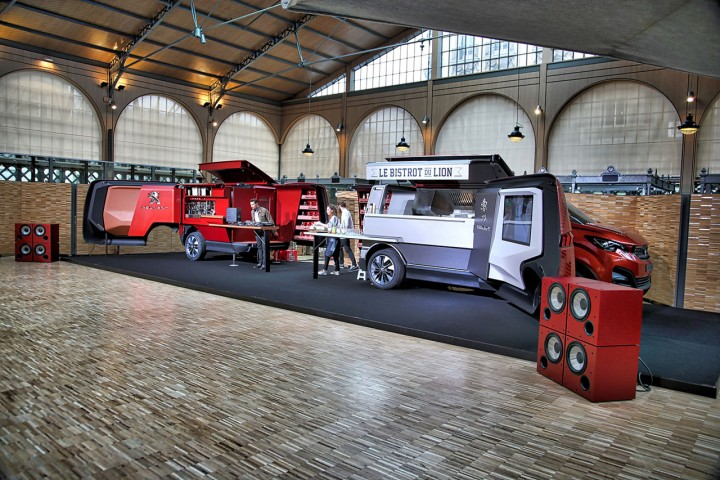 The Food Truck Which Is First Of Its Kind From Company Envisages A Luxury Version Meals On Wheels Recreating Restaurant Road