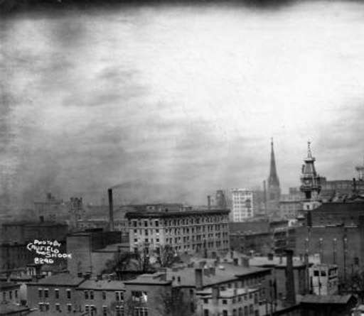 Downtown Louisville, 1913. via U of L Libraries.