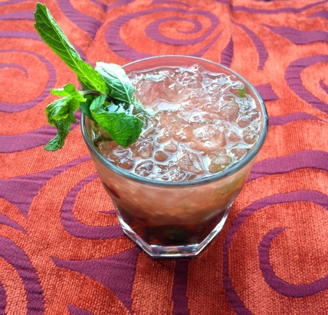 Berry Cobbler Mint Julep | Kentucky Bourbon Whiskey | HerKentucky.com