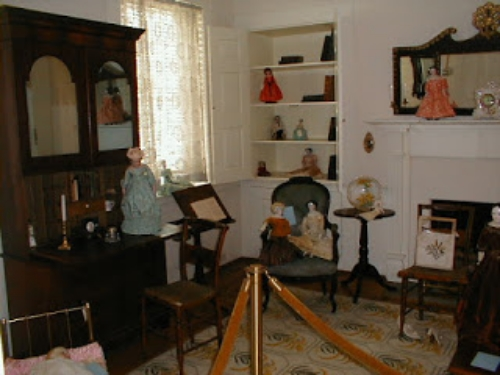 Mary's room, via Mary Todd Lincoln House.