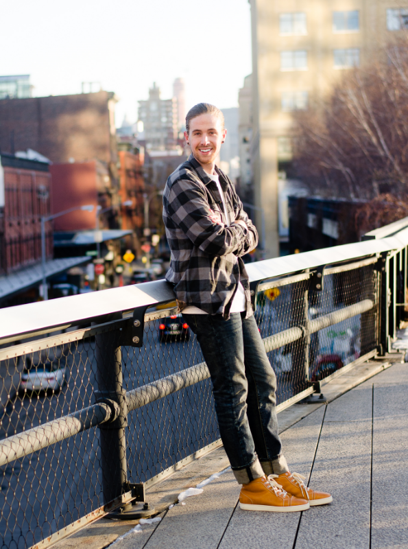 the-kentucky-gent-mens-fashion-lifestyle-blogger-nyfw-new-york-fashion-week-hm-sweatshirt-denim-jeans-christian-louboutin-sneakers-4.jpg