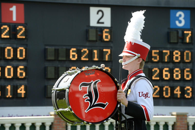 U of L Marching Band plays My Old Kentucky Home, image  via Kentucky Derby .