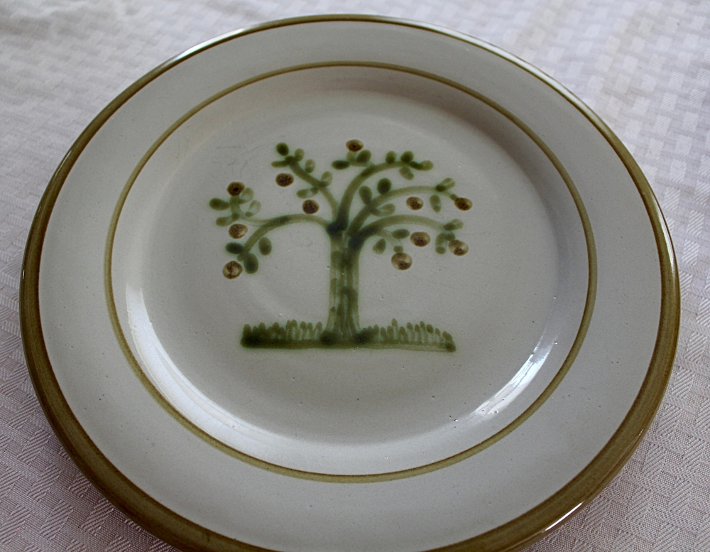 Louisville Stoneware for Pleasant Hill pottery | HerKentucky.com