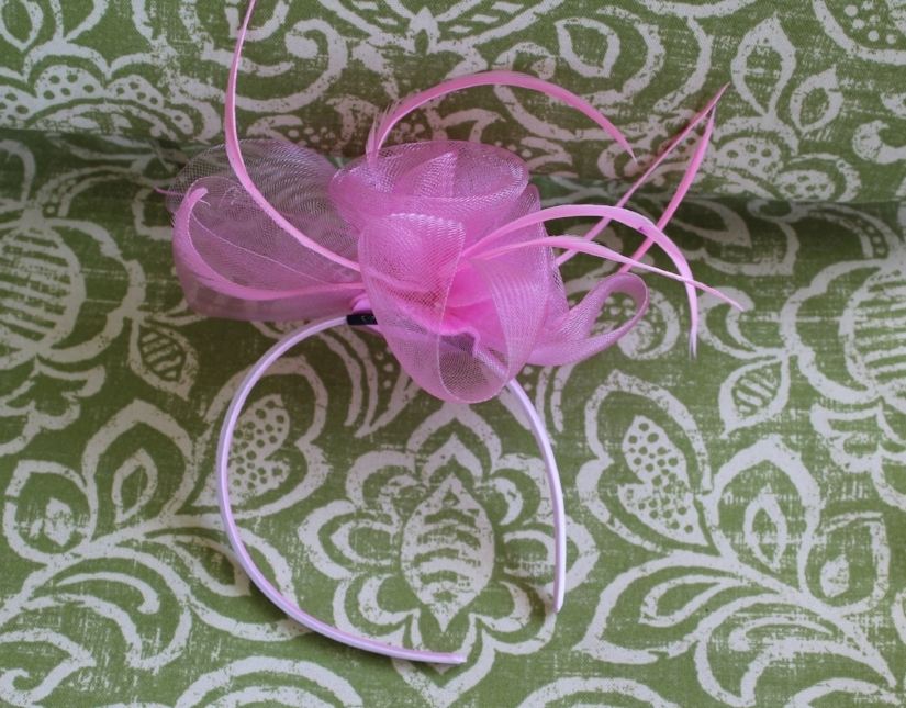 Off Broadway Shoes Fascinator