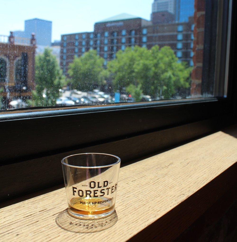 How+to+taste+bourbon+%7C+Kentucky+bourbon+blogger
